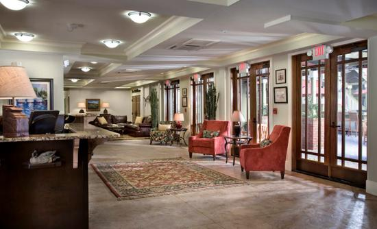 The Inlet Sports Lodge: Lobby