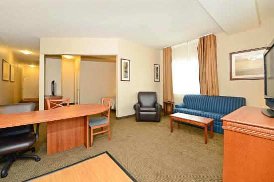 Candlewood Suites: Suite
