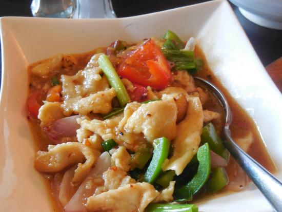 Hunan chicken - Picture of Red Hot Chili Pepper, San Carlos ...