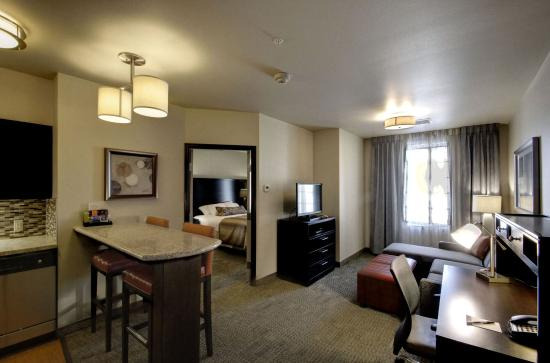 Midvale, Юта: One Bedroom King or 2 Queen Suite