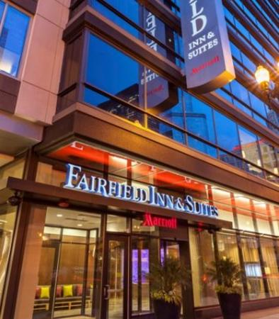 Fairfield inn suites chicago downtown river north il for Hotels in bucktown chicago il