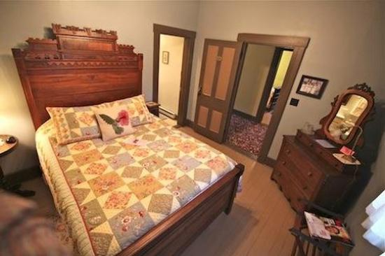 Rugby, TN: Kellogg Rm w Queen bed