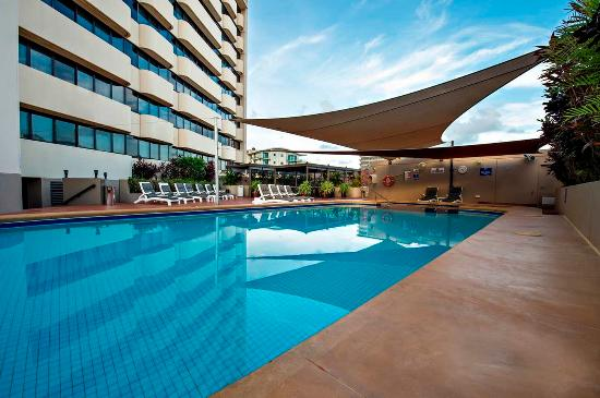Outdoor swimming pool picture of hilton darwin darwin - Hilton swimming pool ...