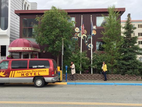 Anchorage Downtown Hotel: Beautiful Hotel and Staff.