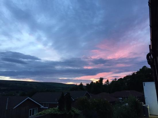 Ramsbottom, UK: Lovely sunset from the Eagle and Child.