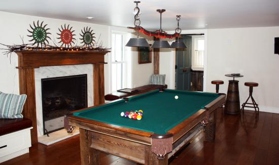 The pool room at the hill farm inn picture of hill farm for The family room vermont