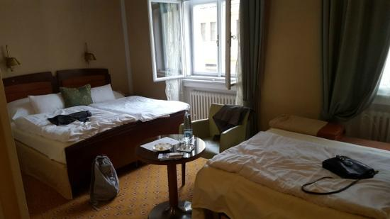 Deluxe Room With An Added Bed Picture Of Hotel Paris