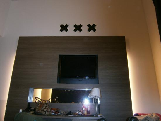 Hampshire Hotel - Amsterdam American: The famous XXX about our TV in the room