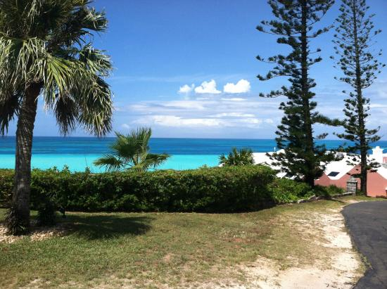 Pompano Beach Club: View from road to room