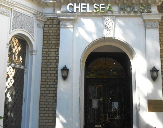 Chelsea House Hotel