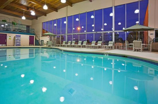 Swimming pool picture of holiday inn alexandria alexandria tripadvisor Swimming pools in alexandria va