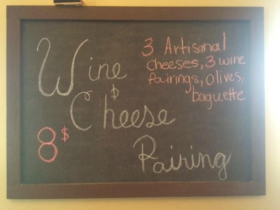 Кингсвилл, Канада: Wine and cheese pairing always available!