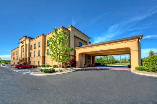 ‪Hampton Inn Crossville‬