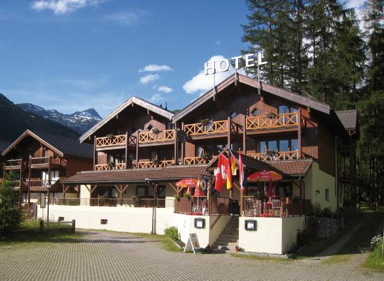 Photo of Hotel Alpenhof Oberwald