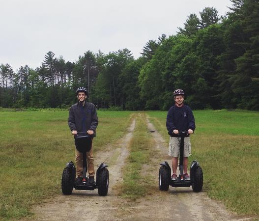 Quechee, Βερμόντ: Having fun on the Segways!