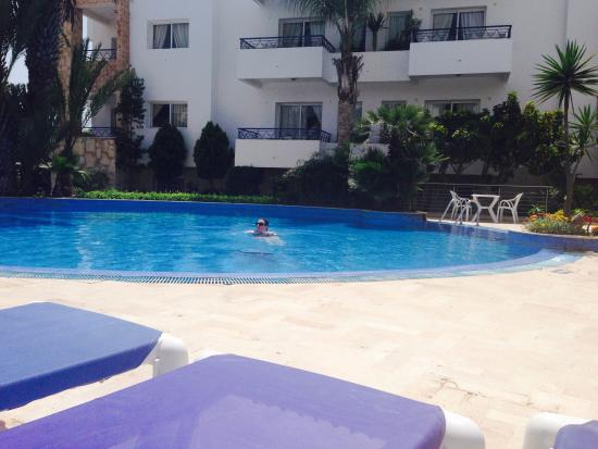 Pool picture of golden beach appart hotel agadir for Apparthotel 92