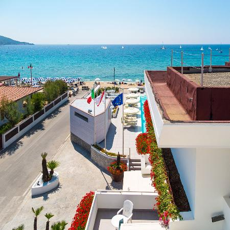 Photo of Hotel Montecristo Marina Di Campo