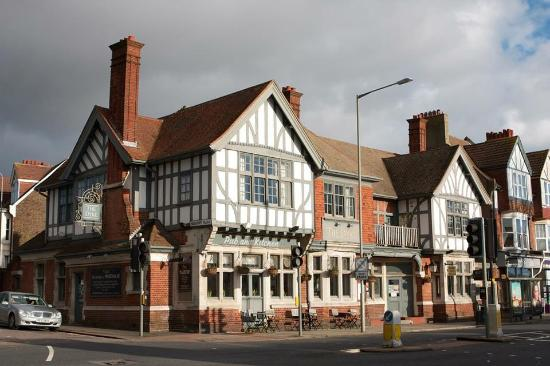The Dyke Pub and Kitchen