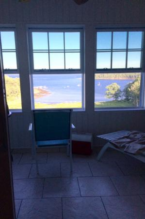 Rockport, เมน: View from enclosed porch