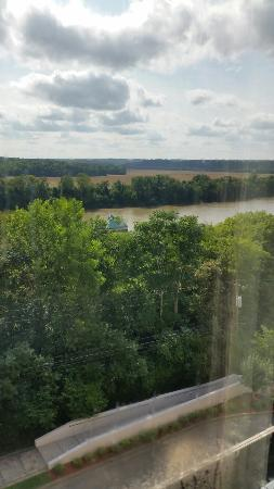 Riverview Inn: View from our room.