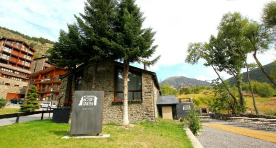 Mountain Hostel Tarter