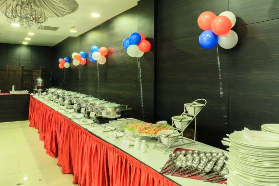 The Nanee Suites: Buffet Counter