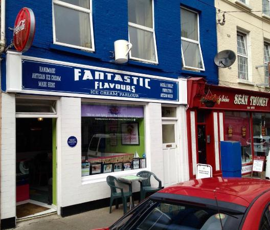 Awesome staff service great ice cream and crepes for Bar food youghal