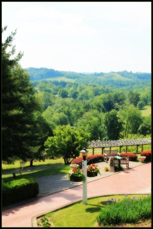 Wilson Lodge at Oglebay Resort & Conference Center: View from the front of the lodge.