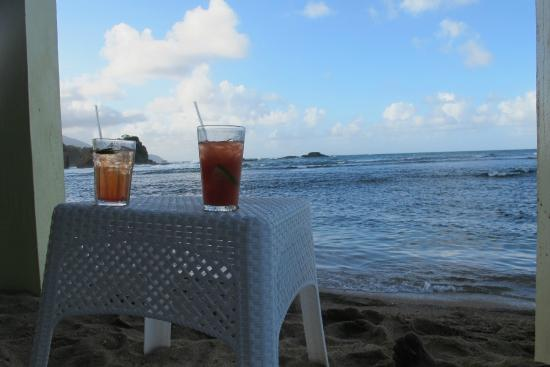 Калибиши, Доминика: Waiting for the sunset-and did I say the best rum punches?
