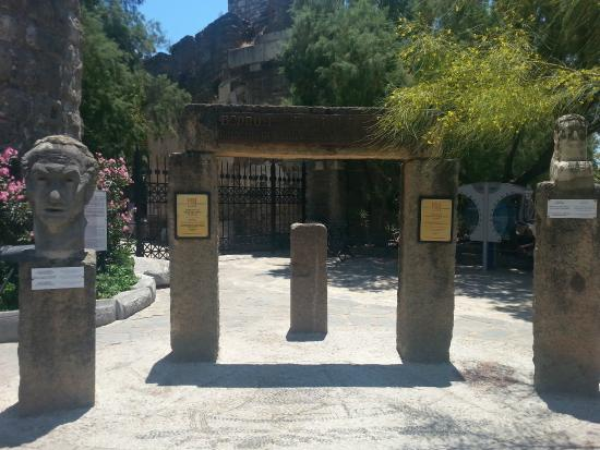 Kale girişi... - Picture of Castle of St. Peter, Bodrum City - TripAdvisor