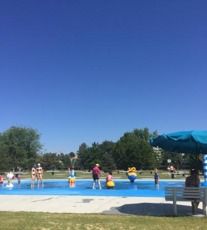 Great place to bring the kids down to the pools and lake for Bellerive lausanne piscine