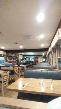 Long Beach Township, NJ: Booths, tables, counter seating