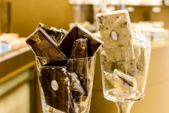 Global Enterprises Tours - Chocolate Workshop & Tasting Tour