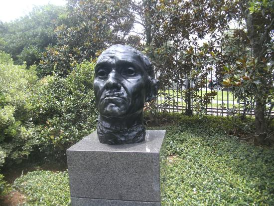 Head picture of the sydney and walda besthoff sculpture Sydney and walda besthoff sculpture garden
