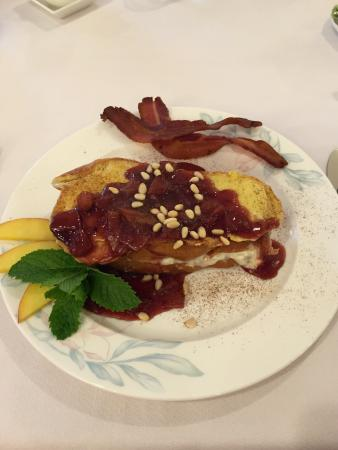 New Church, VA: Stuffed French toast; Champagne Room, Lighthouse Room, Sandpiper Room