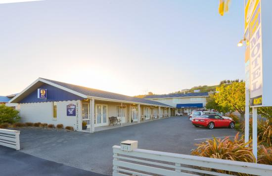Aaa Thames Court Motel
