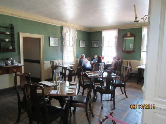 Colonial Williamsburg Dining Room Furniture