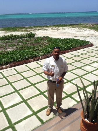 Grand Caribe Belize Resort and Condominiums: The sweetest security guard there, Kadeem.