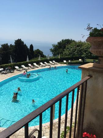 Swimming pool picture of hotel villa cimbrone ravello for Hotels in ravello with swimming pool