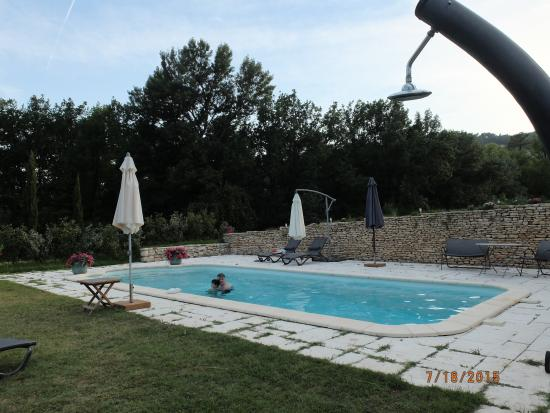 Relaxing pool for Le mas du luberon
