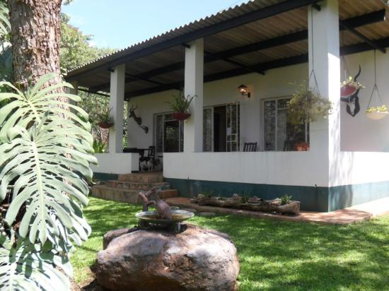 Mfuti bed breakfast for Beds zimbabwe