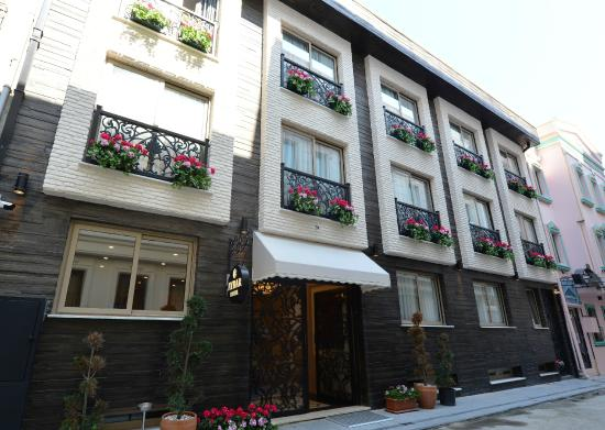 Exterior picture of aybar hotel boutique istanbul for Aybar hotel