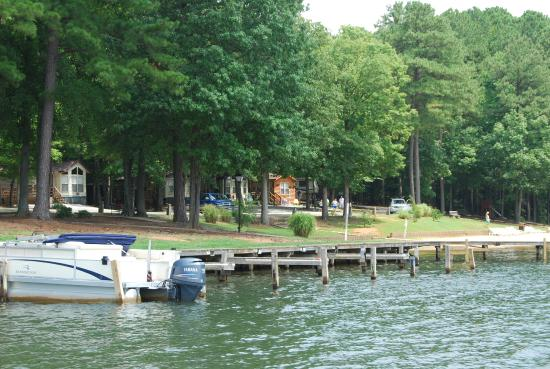 Lakefront rental units for Lake gaston fishing report