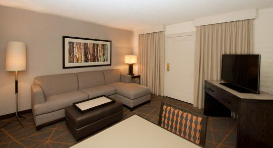 Embassy Suites by Hilton Denver Southeast