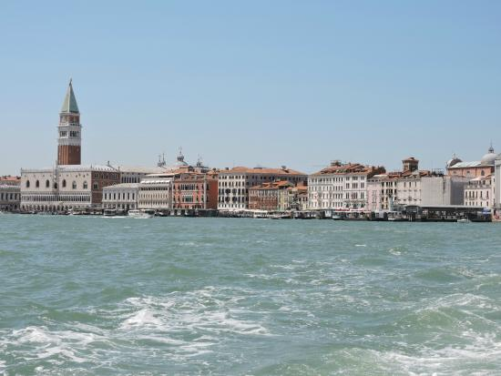 boat ride to hotel picture of jw marriott venice resort spa city of venice tripadvisor. Black Bedroom Furniture Sets. Home Design Ideas