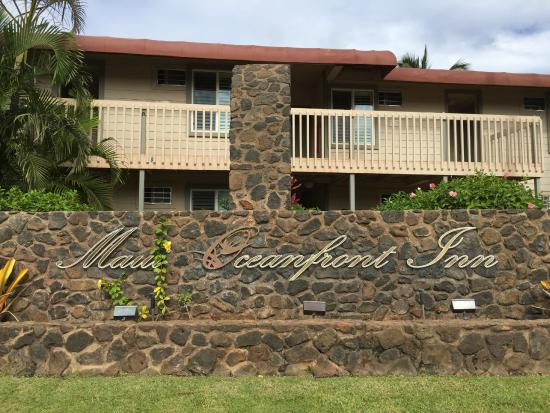 rock wall seen from south kihei road picture of days. Black Bedroom Furniture Sets. Home Design Ideas