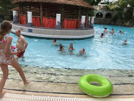 Pool waves picture of center parcs elveden forest - Elveden forest centre parcs swimming pool ...
