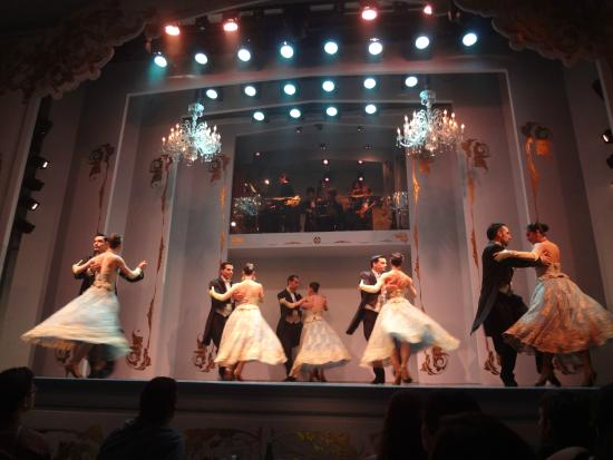 Cafe De Los Angelitos Tango Show Review