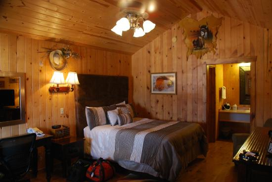 The Bedroom Picture Of Desert Rose Inn Cabins Bluff