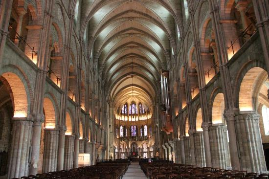 L 39 int rieur picture of basilique saint remi reims for 51000 reims